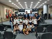Câmara de Nova Friburgo recebe estudantes em aula externa sobre as funções do Poder Legislativo